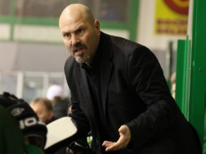 Hernes Coach Frank Petrozza - © by Eishockey-Magazin