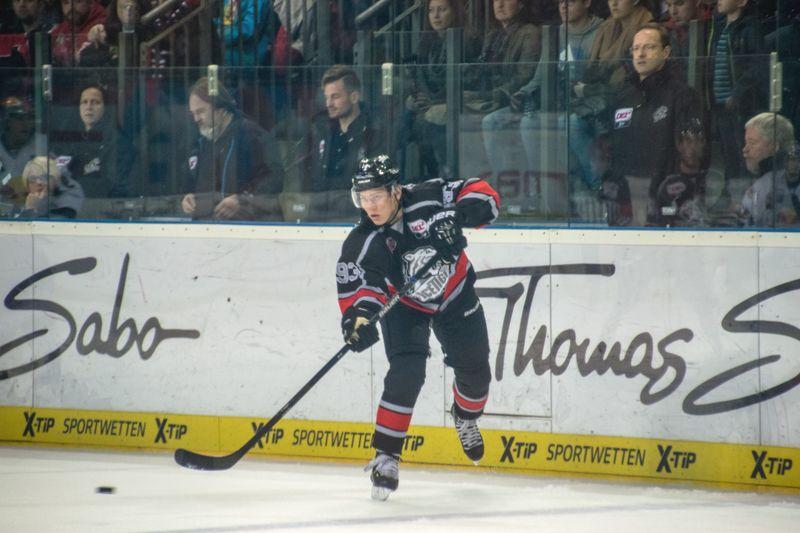 Bundestrainer Sturm Nominiert Niederberger Und Pföderl Für