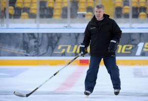 Trainer Paul Gardner von den Lausitzer Füchsen während des Trainings (Foto von City-Press GbR) Copyright: Winter Derby Dresden/City-Press)