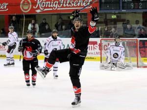 Mike Mieszkowski traf zum Endstand - © by Eishockey-Magazin (DR)