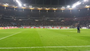 Blick in die Commerzbank-Arena mit Rasen - © by K-Media-Sports