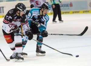 Colton Yelolow Horn (links) im Spiel gegen Linz - © by Eisenbauer