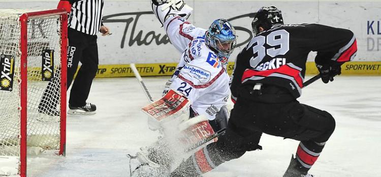"""Ice Tigers überzeugen in Spiel zwei – Torwartfrage für Sonntag offen – Lange: """"Wenn man hier gewinnen will, dann muss man anders auftreten"""""""