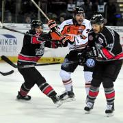 Ice Tigers unterliegen unglücklich in Spiel 2