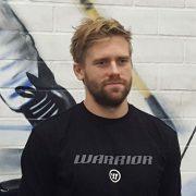 Roosters vor München: Reihenzusammensetzung noch offen, Larsson feiert Debüt
