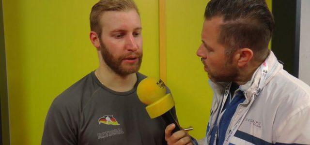 "Felix Brückmann über kurioses Gegentor: ""Vom Helm per Bogenlampe ins Tor"""