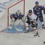 Adler Mannheim siegen in Eishockey-Krimi