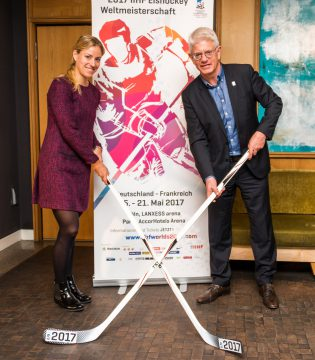 """Angelique Kerber und Franz Reindl - © 2017 IIHF WM"""""""