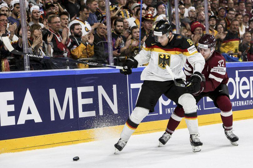 Deutschlands David Wolf vor Lettlands Arturs Kulda  Foto: ISPFD