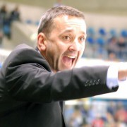 Thomas Popiesch bleibt in Bremerhaven