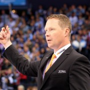 Mike Stewart bleibt bis mindestens 2017 Cheftrainer der Augsburger Panther