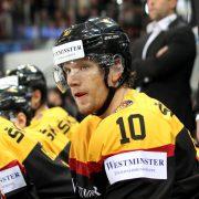 Christian Ehrhoff komplettiert Verteidigung  bei Abschiedsspiel für Herberts Vasiljevs