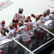 Red Bulls Salute als internationales Eishockeyfest in Kitzbühel