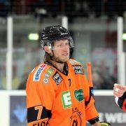 Robin Weihager bleibt der schwedische Fels in der EVL-Defensive