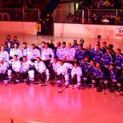 """""""Kunterbuntes"""" Charity-Spiel wird zum Eishockey-Fest"""