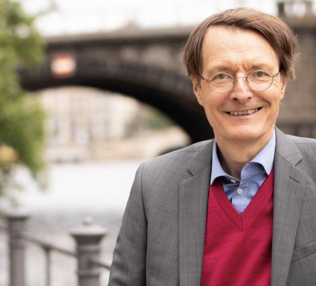 SPD Gesundheitsexperte Prof. Dr. Karl Lauterbach befürchtet Verbot von Profisport in den Hallen