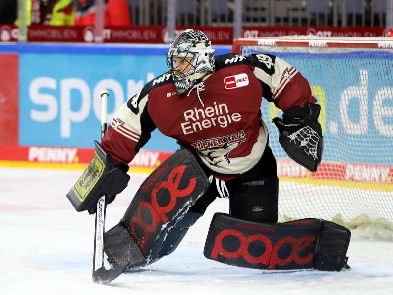 Haie Goalie Justin Pogge stand unter Dauerbeschuss – © Sportfoto-Sale (DR)
