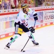 Eisbären feiern 3:1-Auswärtssieg in Niederbayern