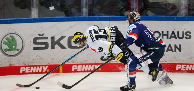 Martins Karsums und Ivan Petrakov verlassen die Krefeld Pinguine