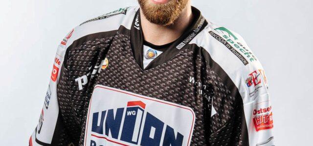 Tim Marek bleibt in Rostock