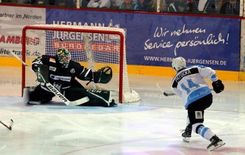 Dominik Patocka, EXA Icefighters Leipzig trifft zum 0-2