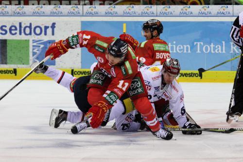 Martin Buchwieser (EBB) - Eduard Lewandowski, Darryl Boyce (DEG)
