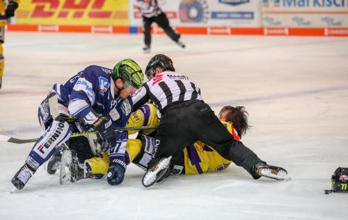 Eishockey, DEL, Iserlohn, Iserlohn Roosters vs. Krefeld Pinguine